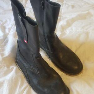 Womens oliberte size 10 Black boots.